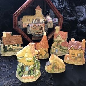 David Winter Collection 6 cottages and 1 shadowbox